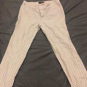 Grey and white pattern pants